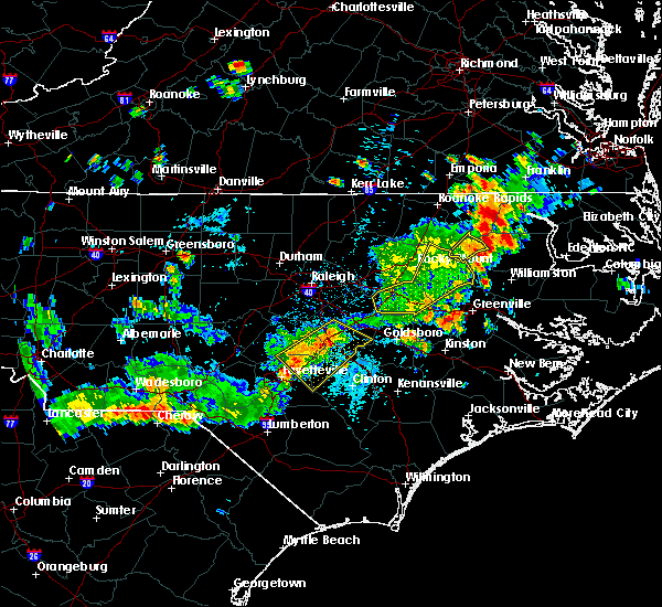 Radar Image for Severe Thunderstorms near Smithfield, NC at 7/18/2015 4:32 PM EDT