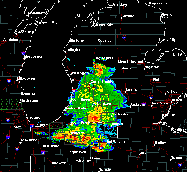 Radar Image for Severe Thunderstorms near Dowling, MI at 7/18/2015 7:35 PM EDT