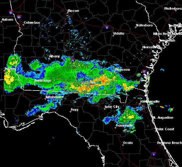 Radar Image for Severe Thunderstorms near Valdosta, GA at 7/19/2015 9:38 PM EDT