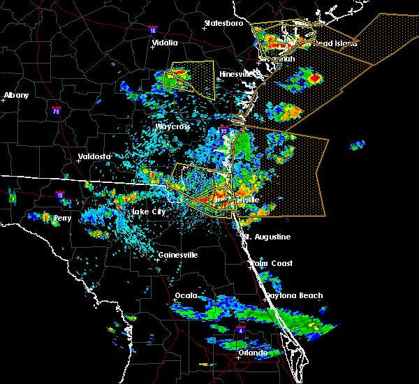 Radar Image for Severe Thunderstorms near Jacksonville, FL at 7/21/2015 4:47 PM EDT