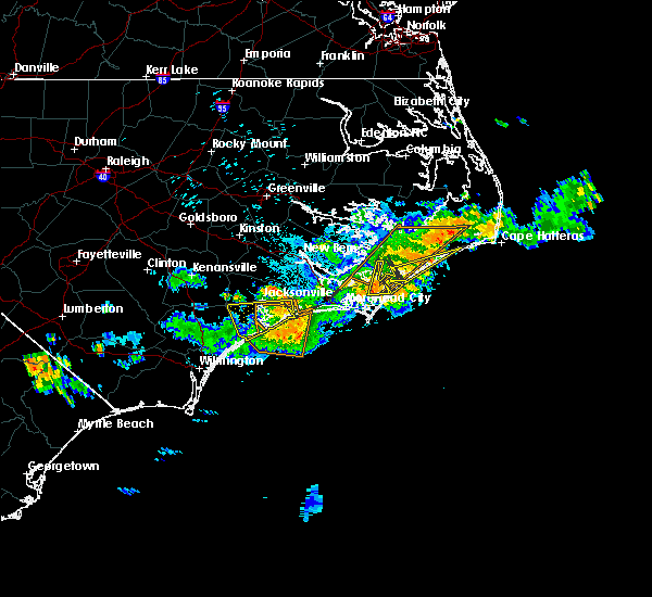 Radar Image for Severe Thunderstorms near Jacksonville, NC at 7/21/2015 11:25 PM EDT