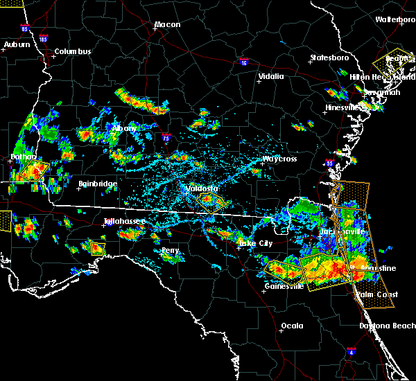 Radar Image for Severe Thunderstorms near Statenville, GA at 7/22/2015 5:32 PM EDT