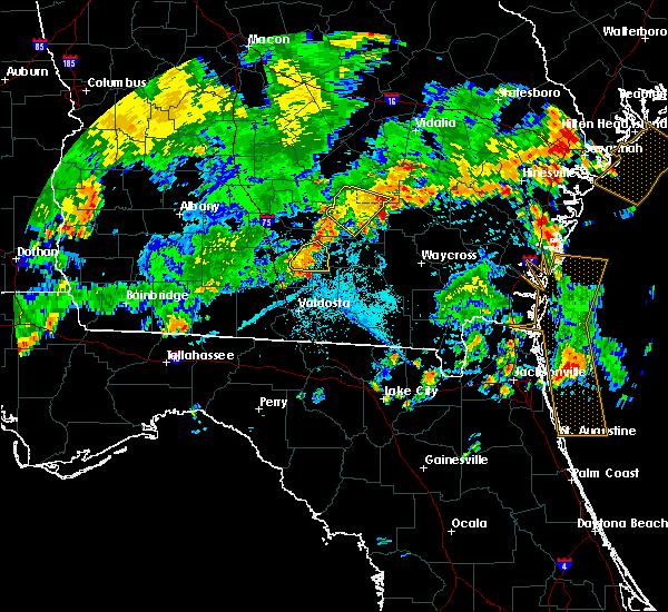 Radar Image for Severe Thunderstorms near Nashville, GA at 7/23/2015 6:32 PM EDT