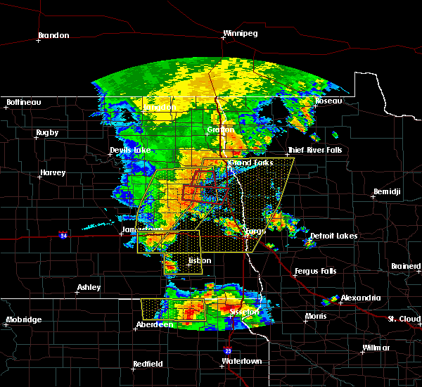 Radar Image for Severe Thunderstorms near Fargo, ND at 7/23/2015 11:43 PM CDT