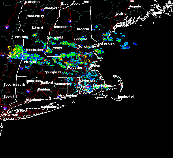 Radar Image for Severe Thunderstorms near Methuen Town, MA at 7/24/2015 3:40 PM EDT