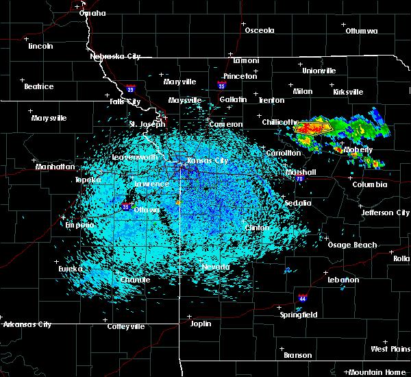 Radar Image for Severe Thunderstorms near Marceline, MO at 7/24/2015 4:12 PM CDT