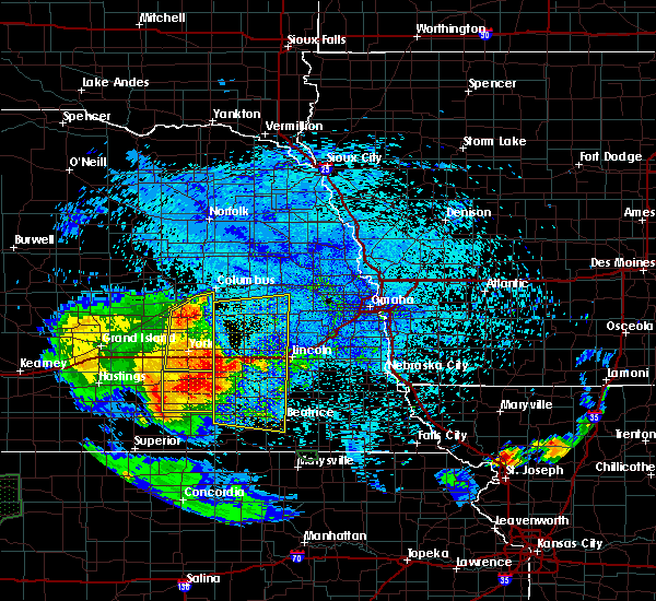 Radar Image for Severe Thunderstorms near Bradshaw, NE at 7/24/2015 11:45 PM CDT
