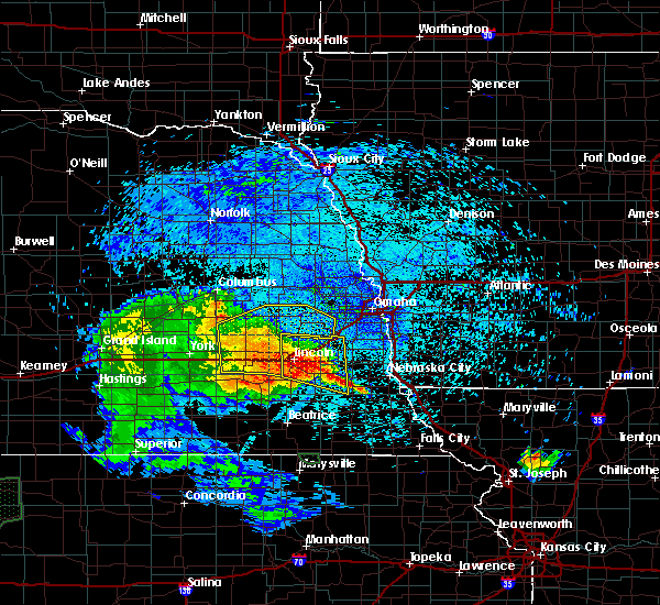 Radar Image for Severe Thunderstorms near Lincoln, NE at 7/25/2015 12:25 AM CDT
