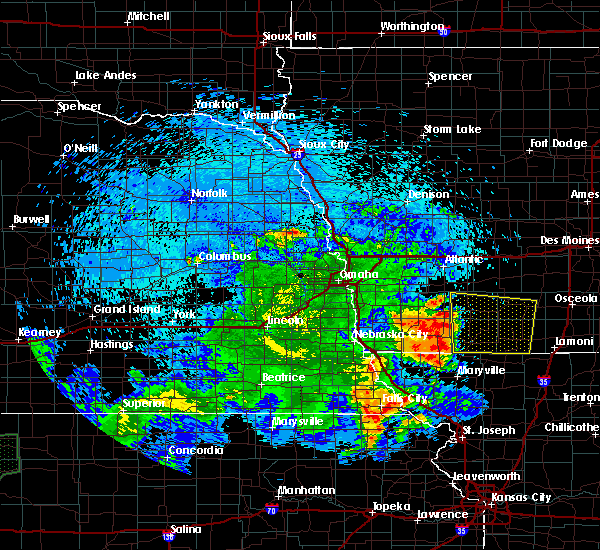 Radar Image for Severe Thunderstorms near Clarinda, IA at 7/25/2015 2:34 AM CDT
