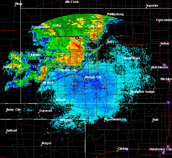 Radar Image for Severe Thunderstorms near Jetmore, KS at 7/26/2015 10:44 PM CDT