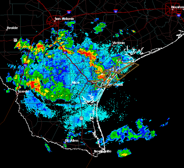 Radar Image for Severe Thunderstorms near Corpus Christi, TX at 7/31/2015 6:28 PM CDT