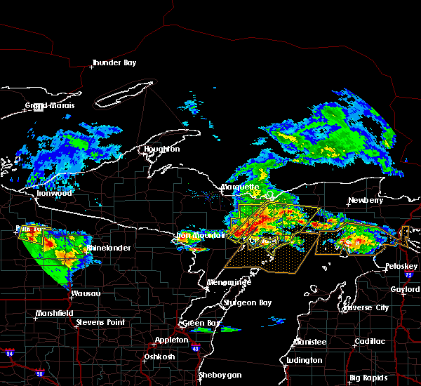 Radar Image for Severe Thunderstorms near Escanaba, MI at 8/2/2015 8:26 AM EDT