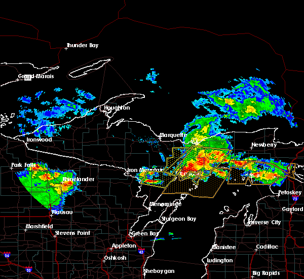 Radar Image for Severe Thunderstorms near Escanaba, MI at 8/2/2015 7:38 AM CDT