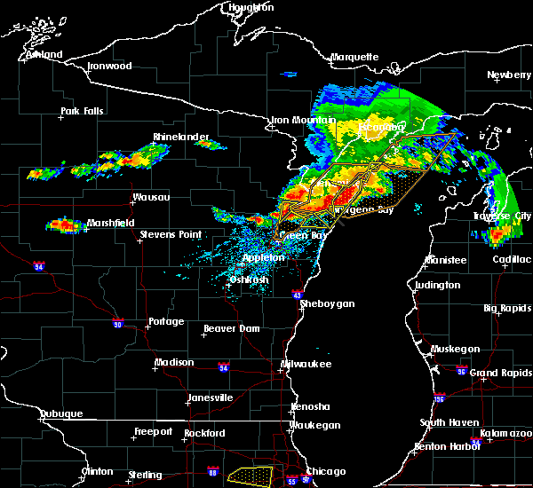 Radar Image for Severe Thunderstorms near Sturgeon Bay, WI at 8/2/2015 2:19 PM CDT