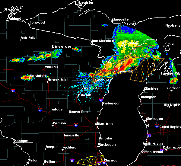 Radar Image for Severe Thunderstorms near Sturgeon Bay, WI at 8/2/2015 2:25 PM CDT