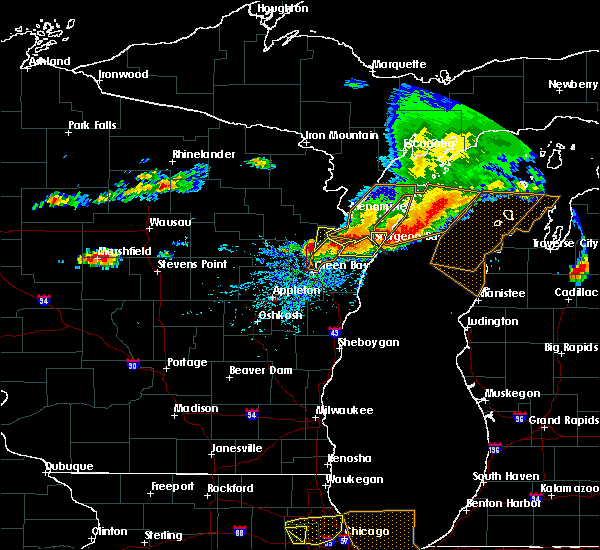 Radar Image for Severe Thunderstorms near Polonia, WI at 8/2/2015 2:36 PM CDT