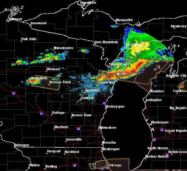 Radar Image for Severe Thunderstorms near Sturgeon Bay, WI at 8/2/2015 2:41 PM CDT