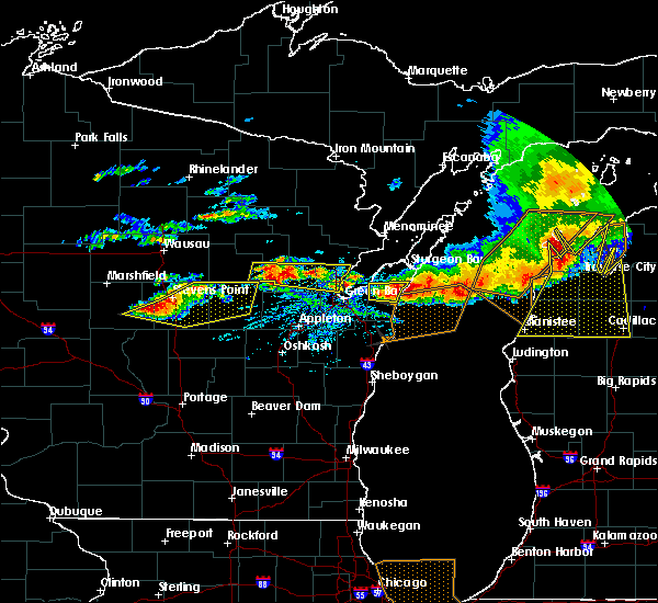 Radar Image for Severe Thunderstorms near King, WI at 8/2/2015 3:18 PM CDT