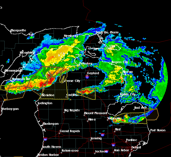 Radar Image for Severe Thunderstorms near Nessen City, MI at 8/2/2015 4:22 PM EDT