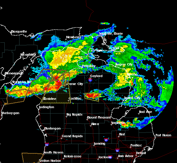 Radar Image for Severe Thunderstorms near South Boardman, MI at 8/2/2015 4:34 PM EDT