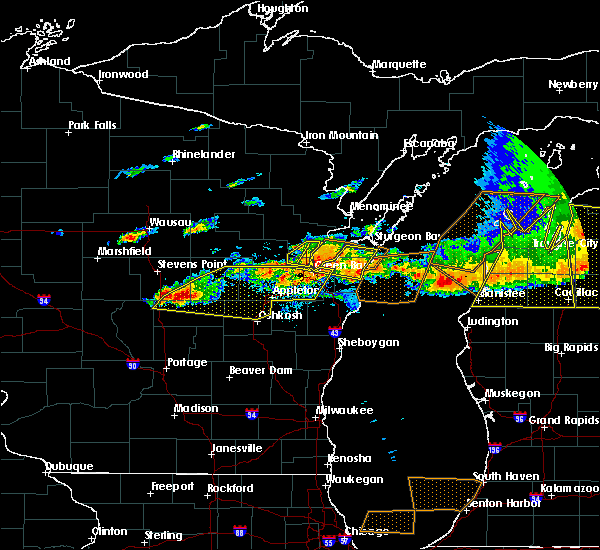 Radar Image for Severe Thunderstorms near Waupaca, WI at 8/2/2015 4:00 PM CDT