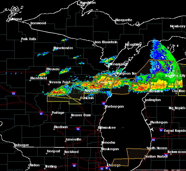 Radar Image for Severe Thunderstorms near Hancock, WI at 8/2/2015 4:04 PM CDT