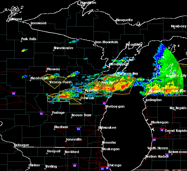 Radar Image for Severe Thunderstorms near Mosinee, WI at 8/2/2015 4:24 PM CDT