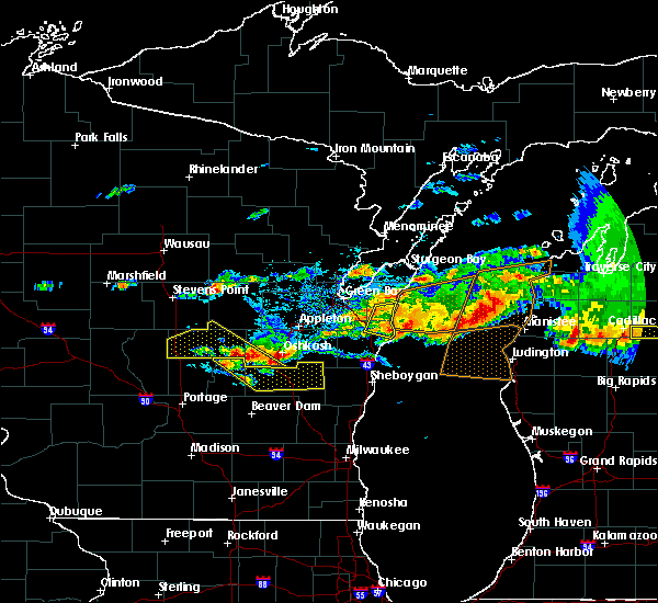 Radar Image for Severe Thunderstorms near Fremont, WI at 8/2/2015 4:53 PM CDT