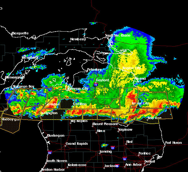 Radar Image for Severe Thunderstorms near Nessen City, MI at 8/2/2015 6:25 PM EDT