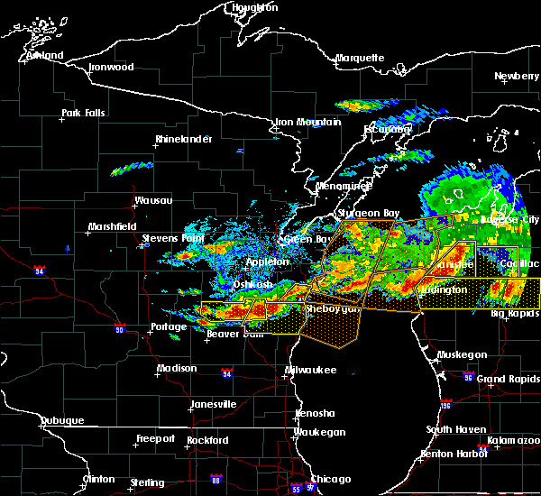 Radar Image for Severe Thunderstorms near Rosendale, WI at 8/2/2015 5:26 PM CDT