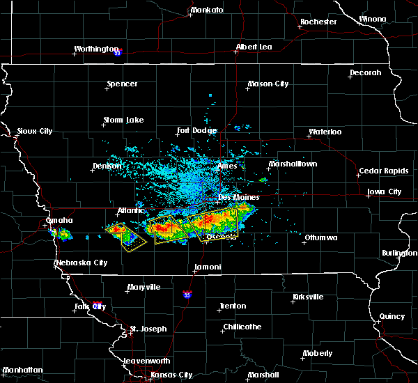 Radar Image for Severe Thunderstorms near Nodaway, IA at 8/2/2015 6:10 PM CDT