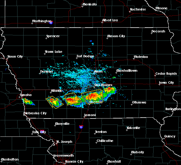 Radar Image for Severe Thunderstorms near Creston, IA at 8/2/2015 6:18 PM CDT