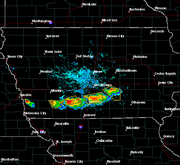 Radar Image for Severe Thunderstorms near Nodaway, IA at 8/2/2015 6:28 PM CDT