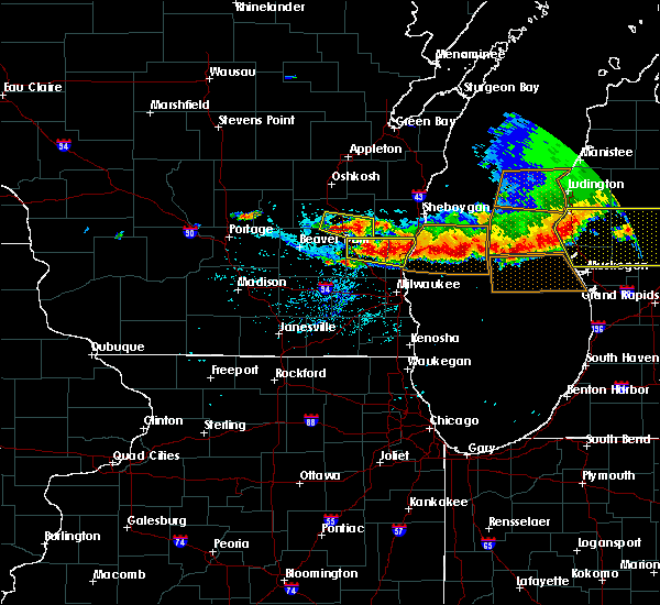 Radar Image for Severe Thunderstorms near Slinger, WI at 8/2/2015 6:45 PM CDT