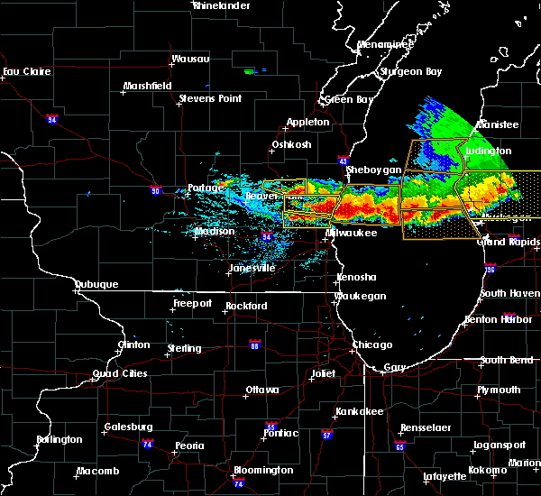 Radar Image for Severe Thunderstorms near Fredonia, WI at 8/2/2015 7:00 PM CDT