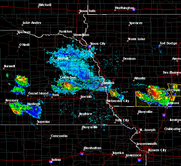 Radar Image for Severe Thunderstorms near Malvern, IA at 8/2/2015 7:06 PM CDT