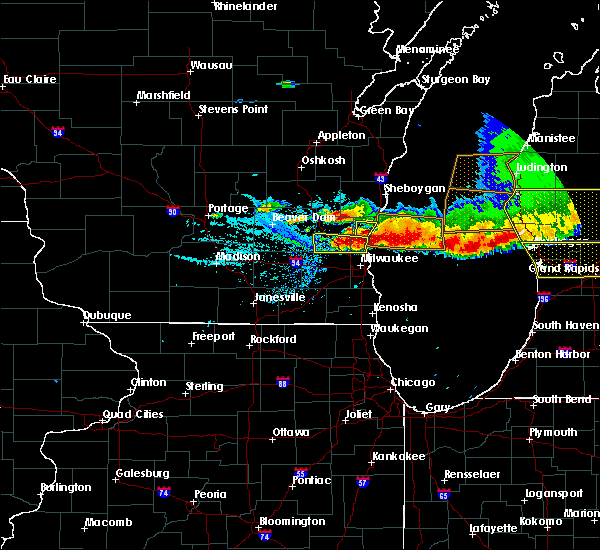Radar Image for Severe Thunderstorms near Fredonia, WI at 8/2/2015 7:09 PM CDT