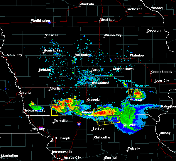 Radar Image for Severe Thunderstorms near Nodaway, IA at 8/2/2015 7:45 PM CDT