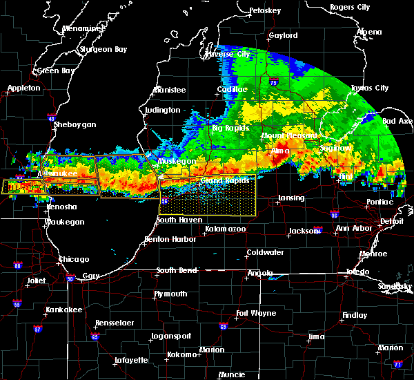 Radar Image for Severe Thunderstorms near Dowling, MI at 8/2/2015 9:03 PM EDT