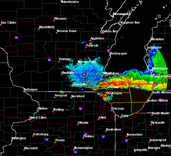 Radar Image for Severe Thunderstorms near Burlington, WI at 8/2/2015 8:51 PM CDT