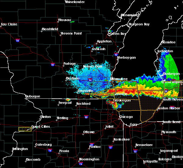 Radar Image for Severe Thunderstorms near Lake Geneva, WI at 8/2/2015 8:54 PM CDT