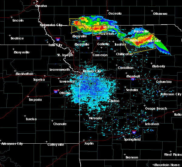 Radar Image for Severe Thunderstorms near Winigan, MO at 8/2/2015 8:54 PM CDT