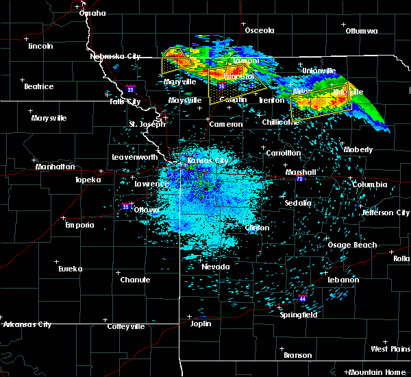 Radar Image for Severe Thunderstorms near Kirksville, MO at 8/2/2015 9:09 PM CDT