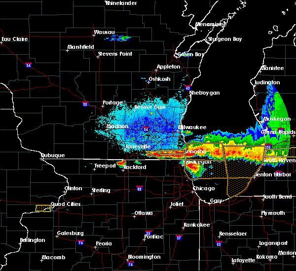 Radar Image for Severe Thunderstorms near Lake Catherine, IL at 8/2/2015 9:12 PM CDT