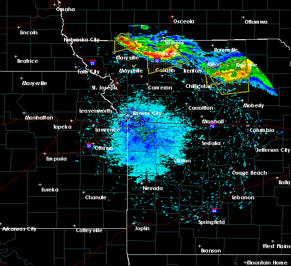 Radar Image for Severe Thunderstorms near Callao, MO at 8/2/2015 9:14 PM CDT