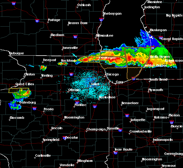 Radar Image for Severe Thunderstorms near Round Lake, IL at 8/2/2015 9:45 PM CDT