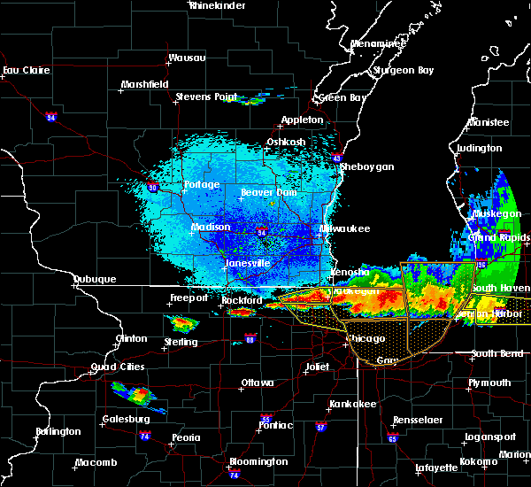 Radar Image for Severe Thunderstorms near Round Lake, IL at 8/2/2015 9:54 PM CDT