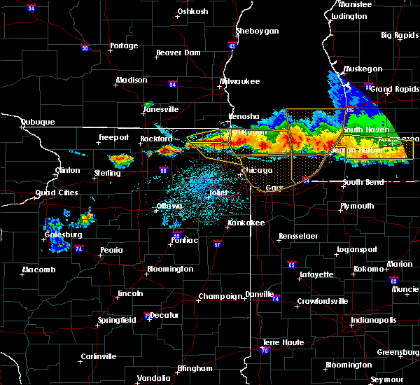 Radar Image for Severe Thunderstorms near Round Lake, IL at 8/2/2015 10:11 PM CDT
