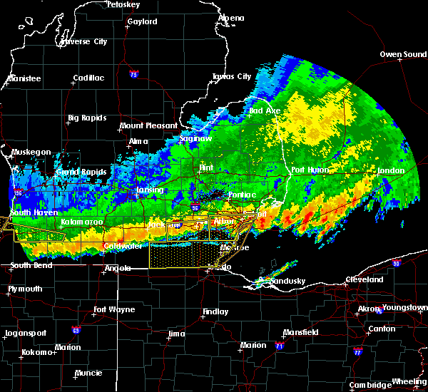 Radar Image for Severe Thunderstorms near Toledo, OH at 8/2/2015 11:34 PM EDT