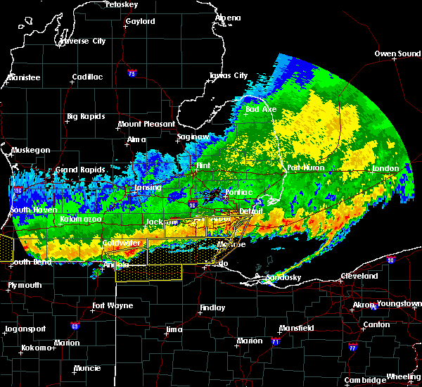 Radar Image for Severe Thunderstorms near Toledo, OH at 8/2/2015 11:48 PM EDT